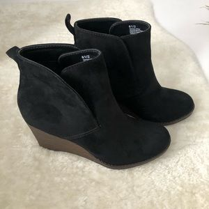 Merona Black Wedge Heel Booties